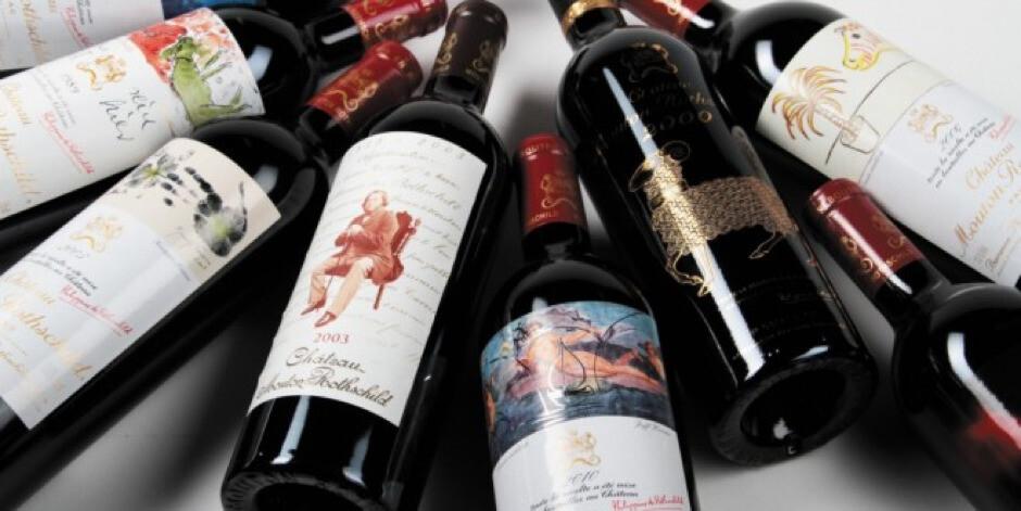 Bouteilles de vin et art contemporain