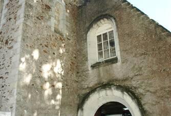 chargement des raisins dans l'ancienne église