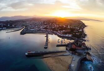 le paradis sur Terre, le port de Socoa à la pointe de la baie de Saint-Jean de Luz