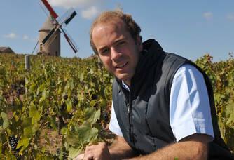Edouard Labruyère dans les vignes