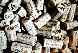 Les bouchons en liège des bouteilles du domaine des Verquières